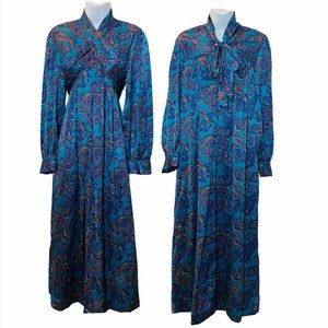 Beautiful VINTAGE Christian Dior Lounge Wear Dress